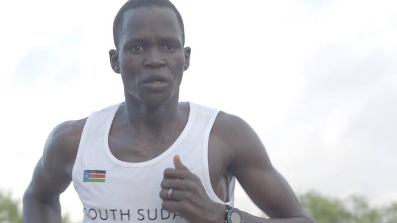 スーダン内戦で代表する国のない男 五輪で祖国の期待を背負って走る ドキュメンタリー映画予告編公開