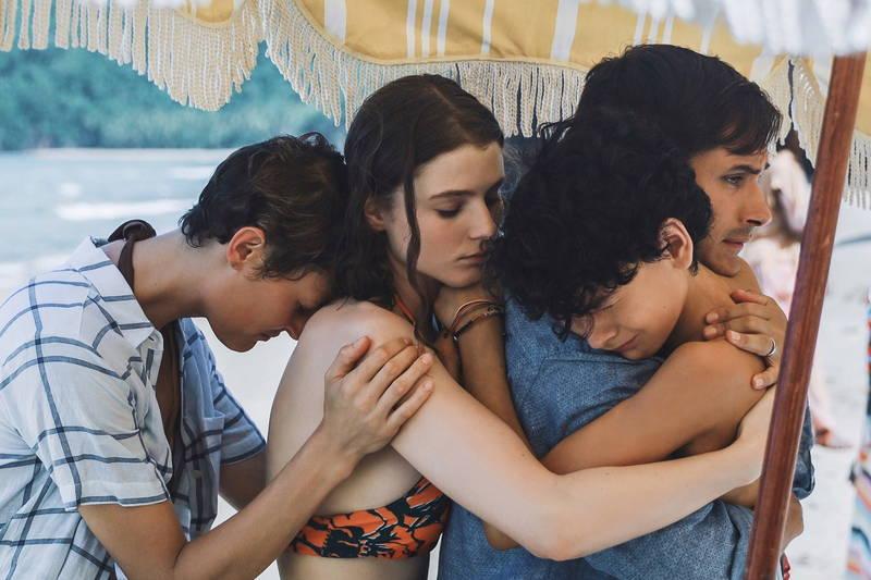 急速に体が老いる謎のビーチ 閉じ込められた家族の恐怖描く シャマラン監督最新作「オールド」公開決定