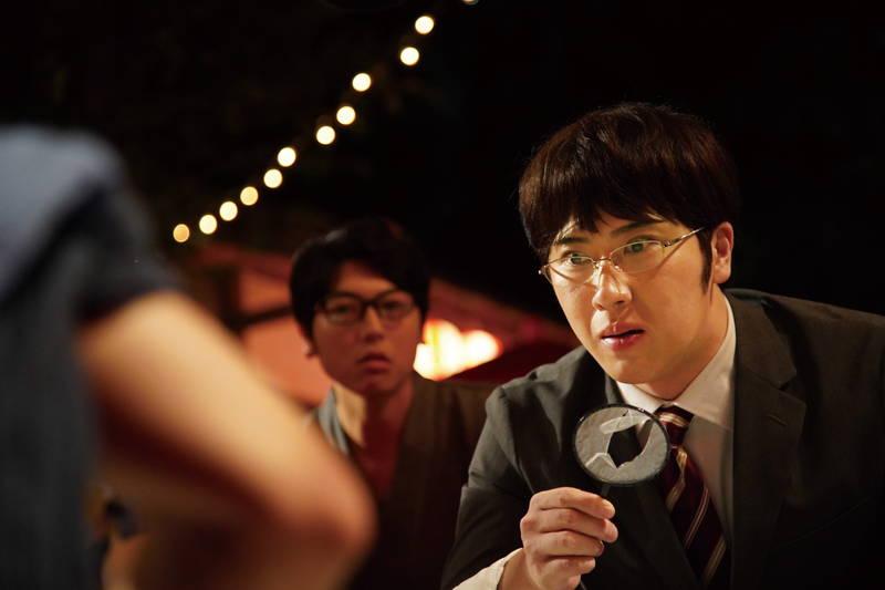 尾上松也、金魚すくいに真剣な表情 撮影前には道場で練習 「すくってごらん」新場面写真