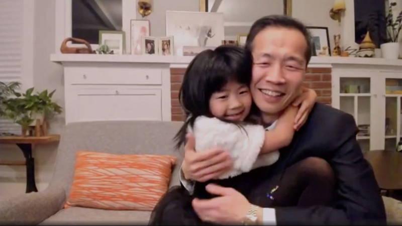 「ミナリ」チョン監督 製作のきっかけとなった娘と登場 ゴールデン・グローブ賞外国語映画賞受賞